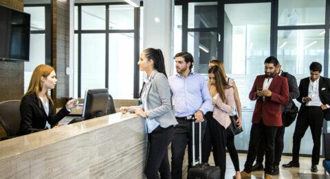 De hotelreceptie wordt efficiënter met een sleutelmanagementsysteem